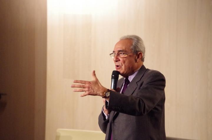 Professeur Bernard Debré